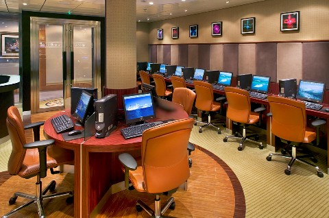 Photo of Crystal Symphony computer lab goes here; courtesy of Crystal Cruises.