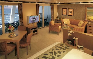 Photo of suite on Regent Seven Seas goes here.