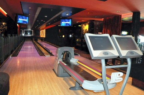 Photo of bowling alleys on Norwegian Gem goes here.*